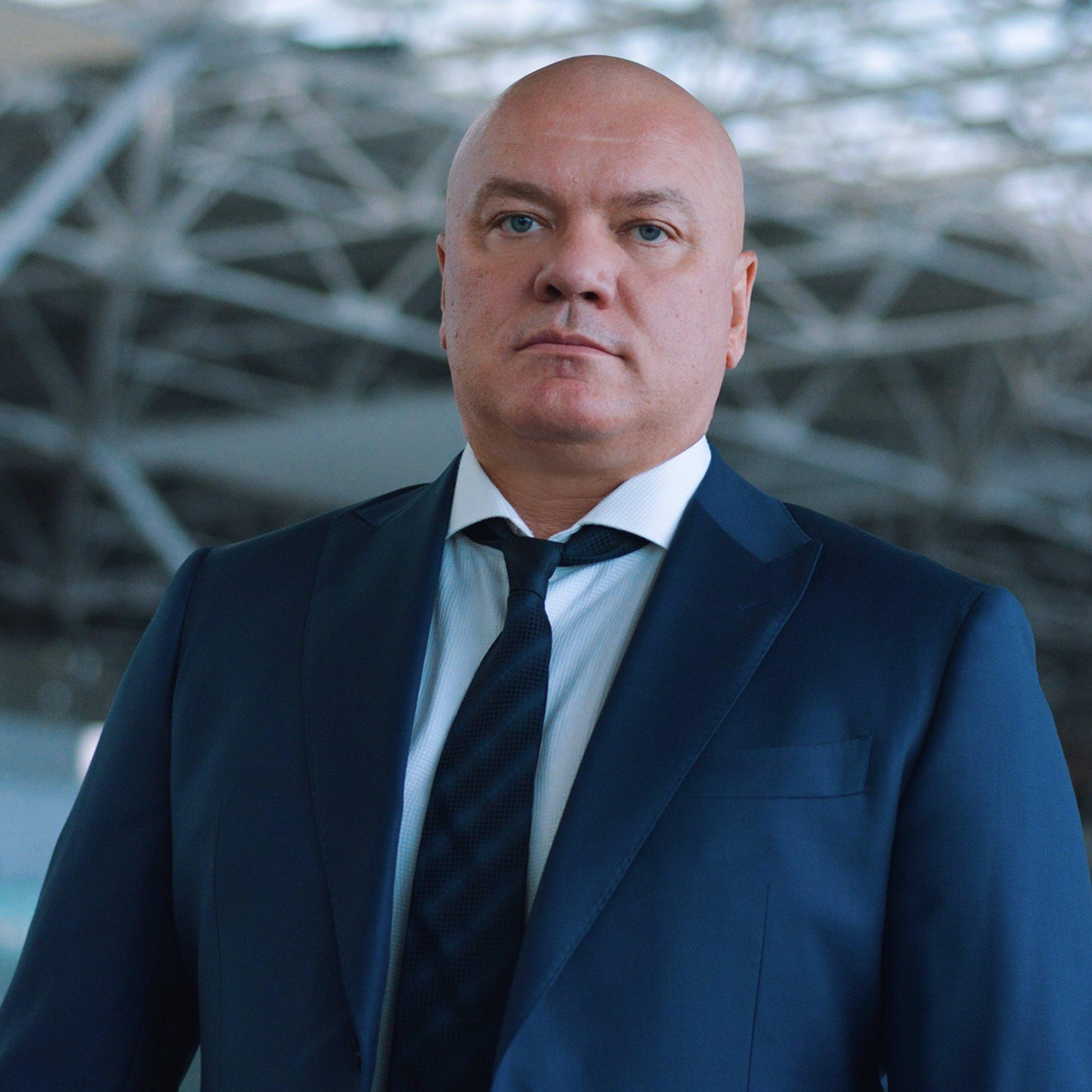 Константин Попов, аэропорт Внуково