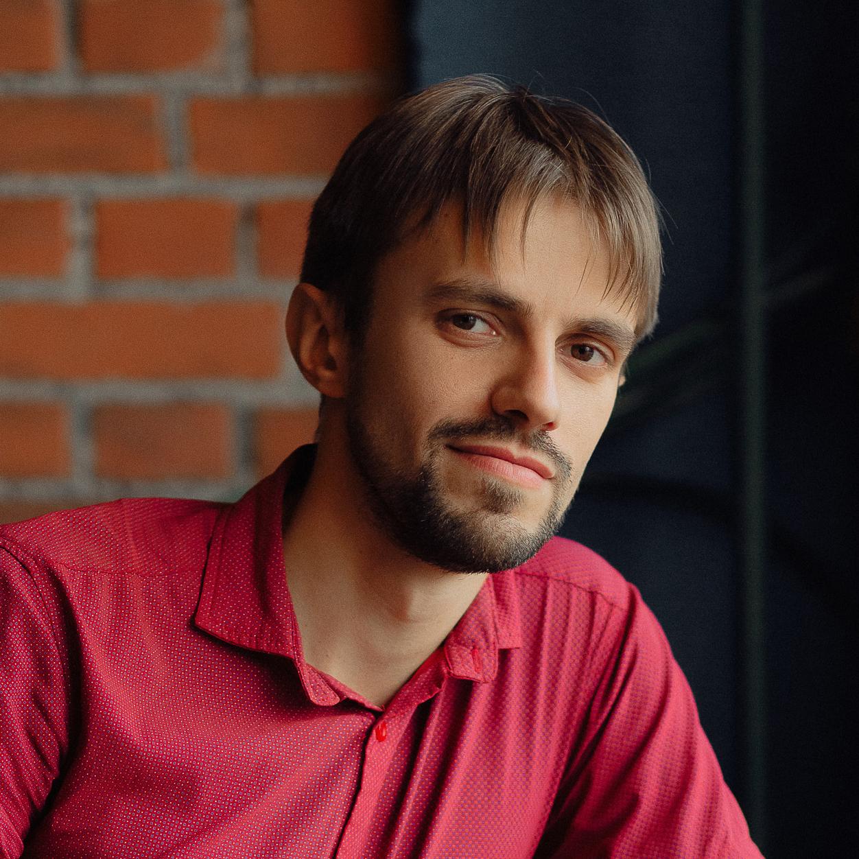 Павел Малетин, В2-Групп sq