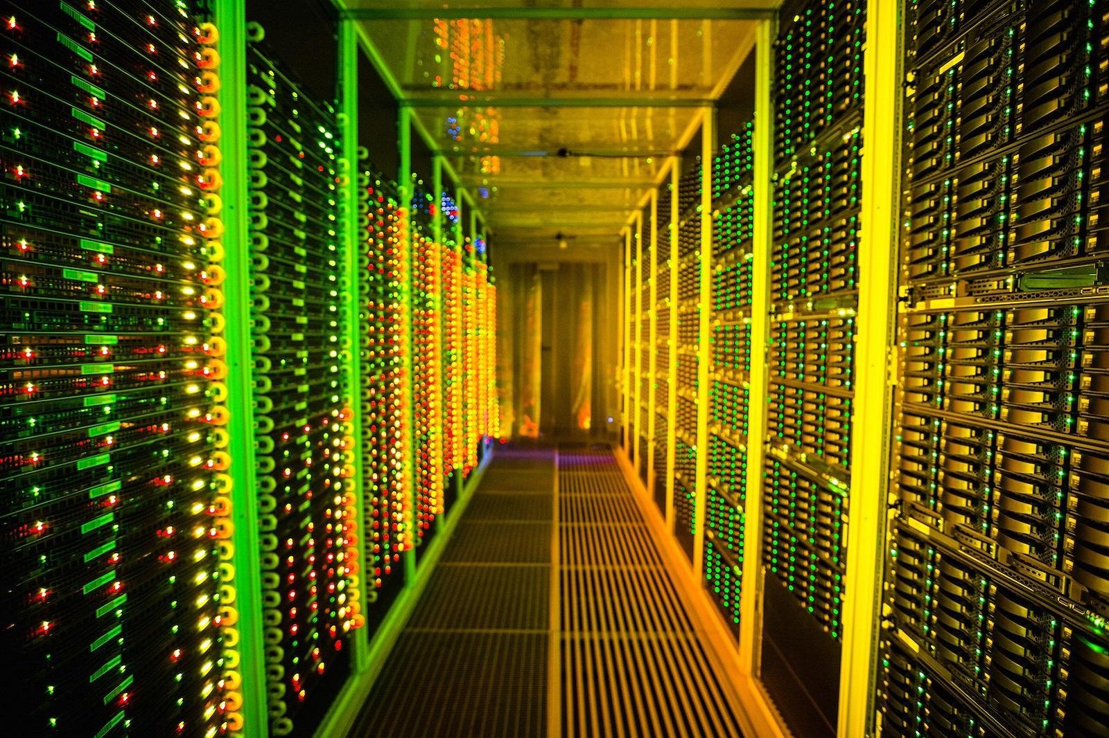 Системы хранения данных: мобильность данных и гипермасштабируемая архитектура