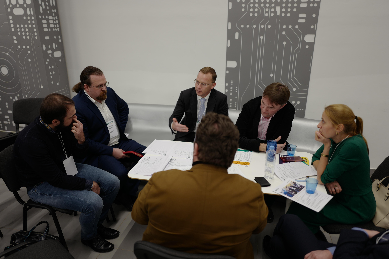 ДИТ Москвы обсудил с вендорами применение информационно-коммуникационных технологий в сфере обеспечения безопасности и управления городом