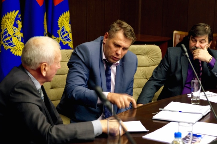 Брифинг по задачам и специфике объектов воздушного транспорта на закрытой встрече поставщиков с руководителями Росавиации и 4-х московских аэропортов